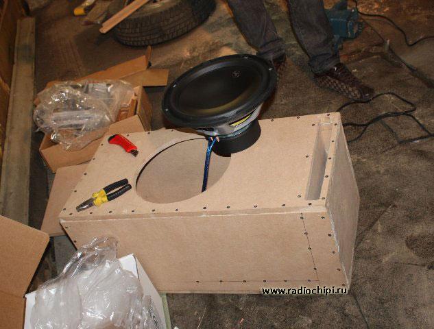 Как самому сделать коробку для сабвуфера 171