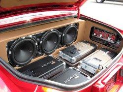Профессионально устанавливаем акустику в автомобиле